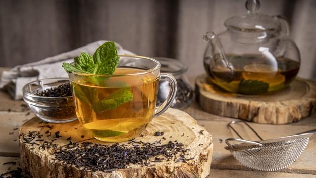 Beneficiile ceaiului de menta pentru sanatatea ta si a familiei tale