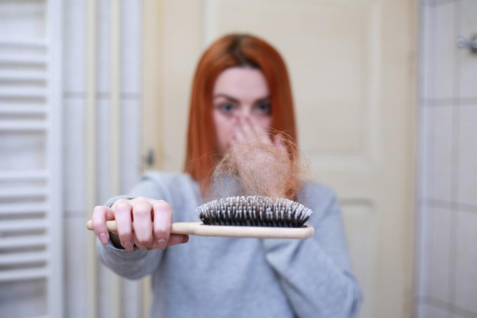 Previne și tratează căderea părului pentru a avea un păr sănătos și frumos